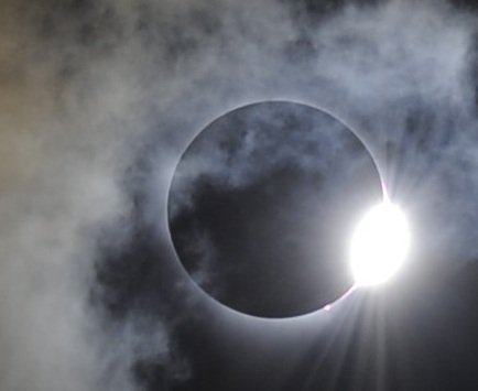 diamond ring from solar eclipse